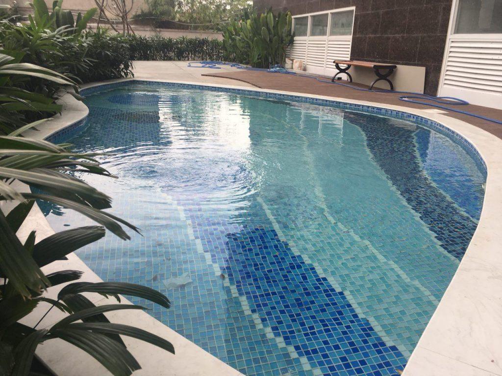Hồ bơi Sử dụng hệ thống thu nước mặt