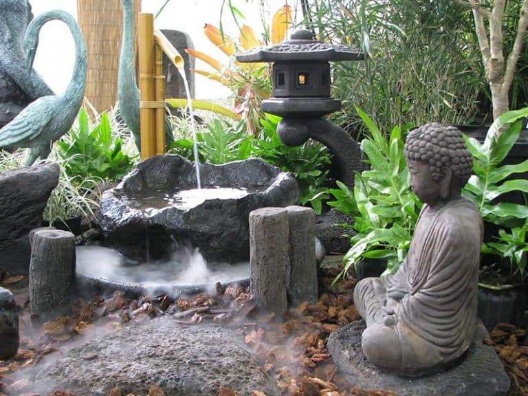 VianPool nhung-mau-dai-phun-nuoc-dep-hut-hon-lam-bang-da-3-768x576