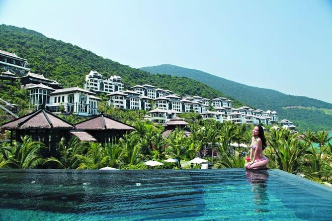 Hồ bơi Khu nghỉ dưỡng cao cấp intercontinental Đà Nẵng