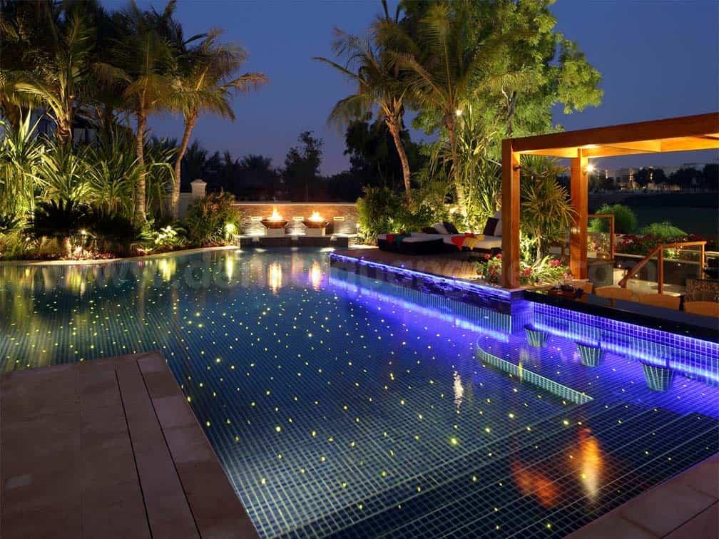 Hệ thống đèn chiếu sáng hồ bơi