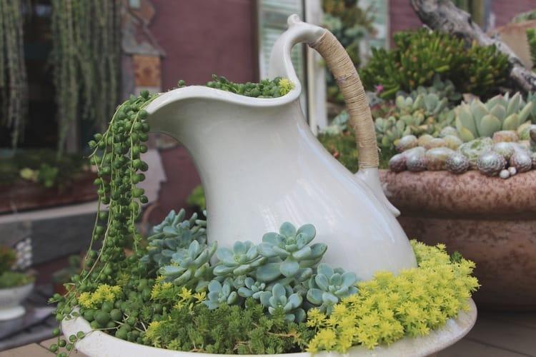 Spilling Flower Pot 8