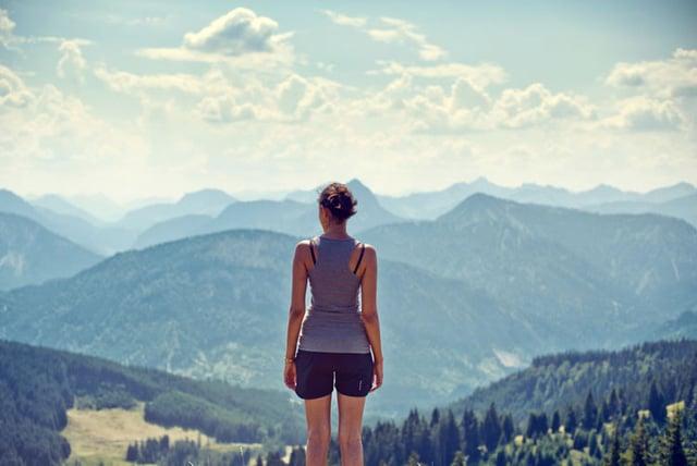 VianPool Đi bộ buổi sáng và 10 lợi ích thiết thực cho sức khỏe