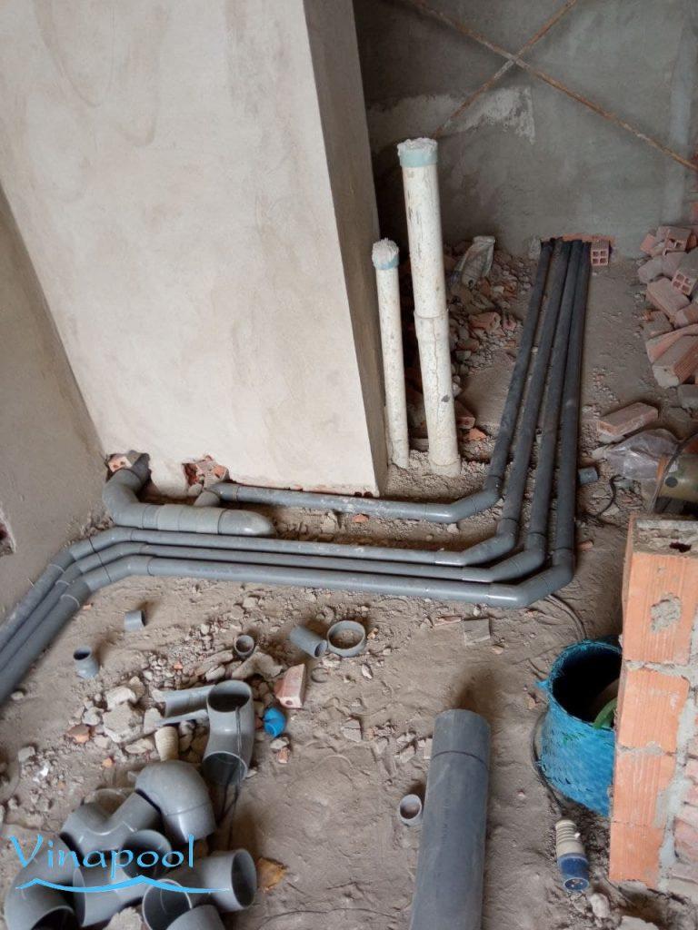 Giai đoạn thi công hệ thống đường ống hồ bơi