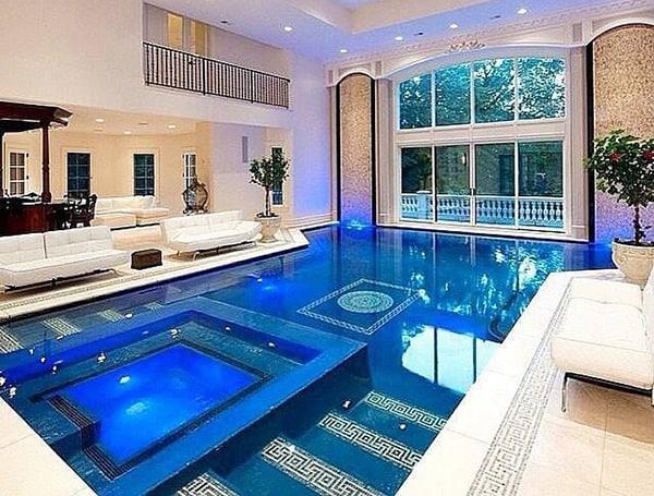 Mẫu thiết kế biệt thự có hồ bơi trong nhà kết hợp không gian tiếp khách