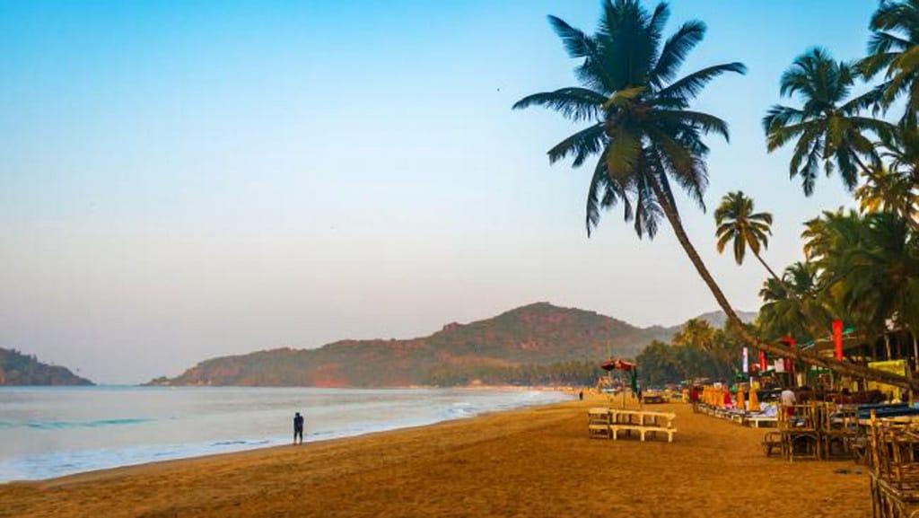 Những bãi biển quyến rũ nhất thế giới cho phép tắm khỏa thân - ảnh 10