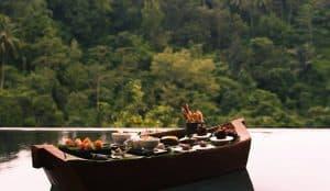 VianPool floating-sunset-sensation-romantic-dinner-hanging-gardens-of-bali-300x174