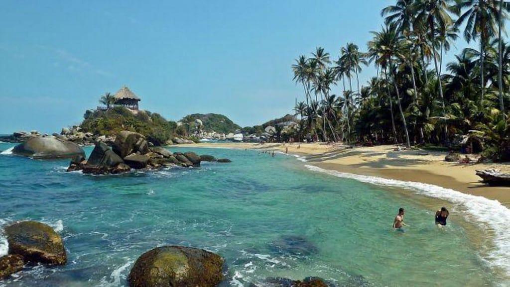Những bãi biển quyến rũ nhất thế giới cho phép tắm khỏa thân - ảnh 6