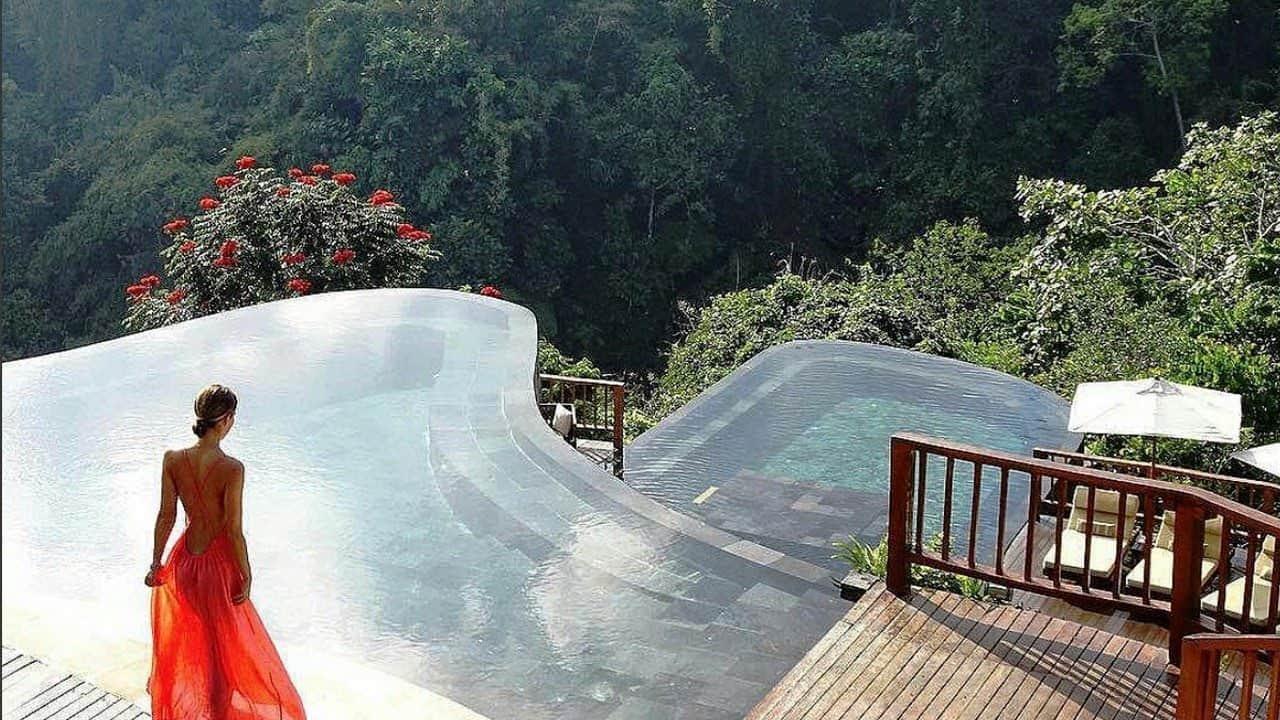 VianPool hanging-gardens-indonesia-dulichchat-2