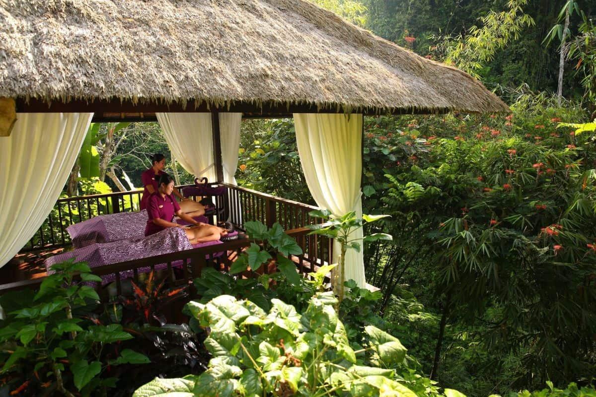 VianPool hanging-gardens-indonesia-dulichchat-5