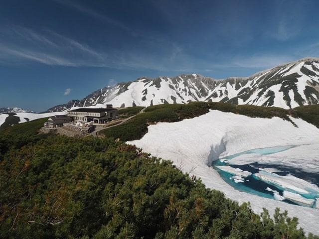 Ngâm mình trong những onsen nằm sâu giữa dãy núi Alps hùng vĩ - 2